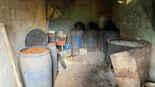 Adanada 1600 litre sahte içki ele geçirildi