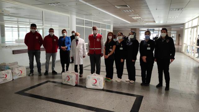 Türk Kızılay Siirt Şubesinden ihtiyaç sahibi ailelere yardım