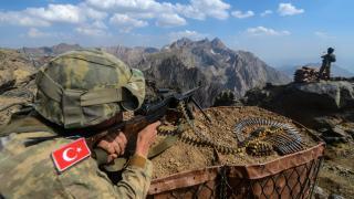 Terör örgütünden kaçan 5 PKK'lı teslim oldu