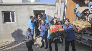 Türkiye Diyanet Vakfı İdlibli aileleri sıcak yuvalarına taşıyor