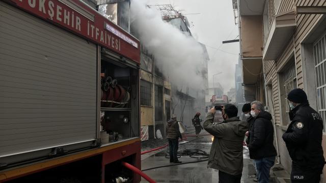 Bursada kağıt deposunda çıkan yangın söndürüldü