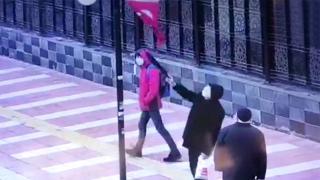 Yozgat'ta yaşlı adamın bayrak hassasiyeti kameraya yansıdı