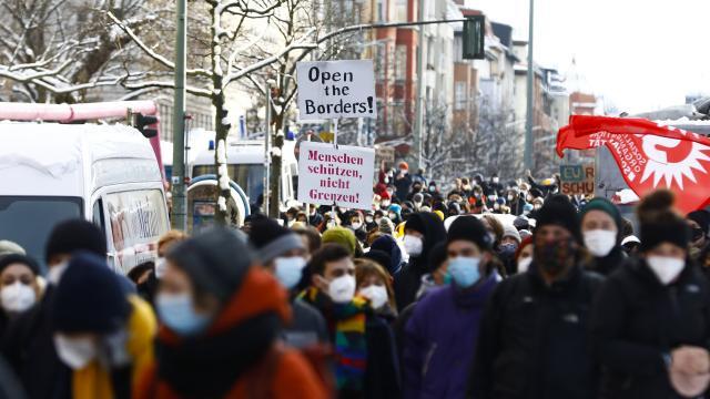 Almanyada ABnin sığınmacı politikasına tepki: Sınırları açın