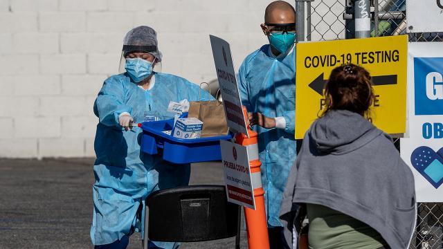 ABDde koronavirüsten ölenlerin sayısı 476 bini geçti