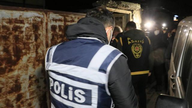 Adanada firarilerin yakalanması için şafak operasyonu