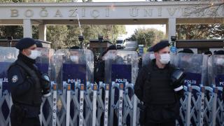 Boğaziçi Üniversitesi önünde izinsiz gösteri: 12 gözaltı