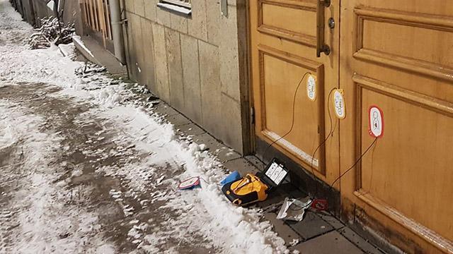 İsveçte camide bomba paniği: Bomba düzeneğine benzer kutu bulundu