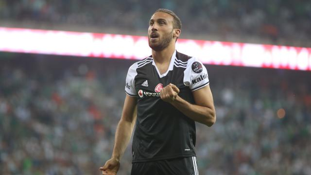 Beşiktaş Cenk Tosunu kadrosuna kattı
