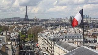 Fransa'da 24 saatte 21 bin 825 COVID-19 vakası tespit edildi