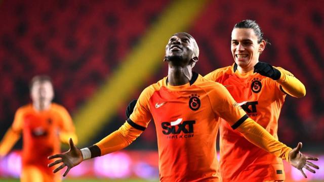 Galatasaray Onyekuru ile güldü