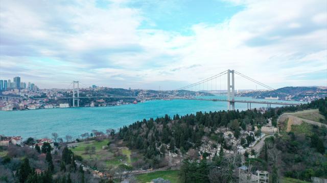 İstanbul Boğazından gemi geçişleri askıya alındı