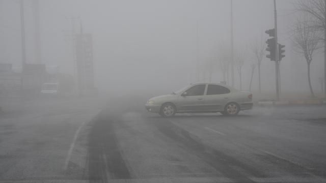 Şanlıurfa ve Adıyamanda yoğun sis ulaşımı aksattı