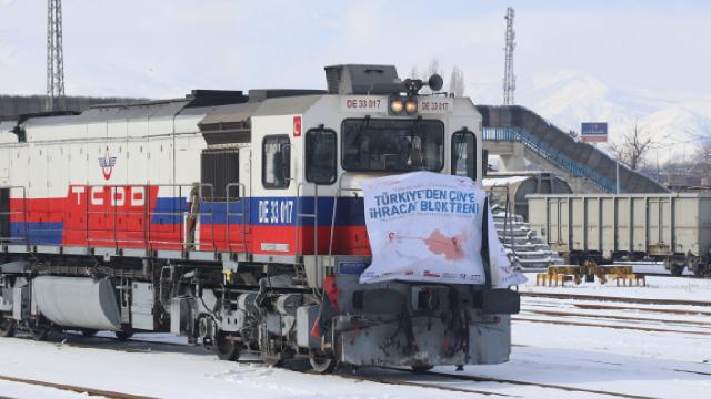 Rusya ve Çine gidecek olan ihracat trenleri Erzincanda mola verdi