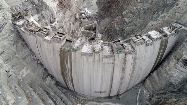 Türkiyenin en yüksek barajında son düzlük
