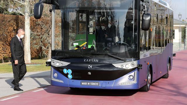 Cumhurbaşkanı Erdoğan Kabine toplantısına sürücüsüz otobüs ile gitti