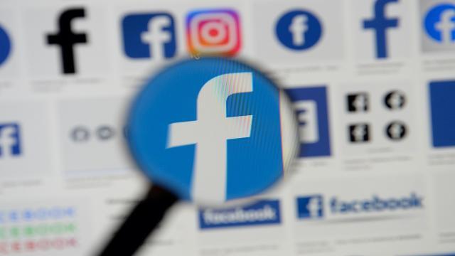 Krizlerin odağındaki Facebook 17 yaşında