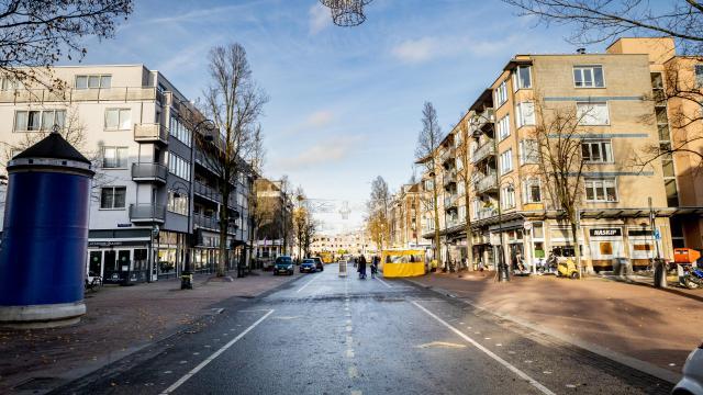Hollandada kısıtlamaya uymayanlara 3 ayda 9 milyon euro ceza kesildi