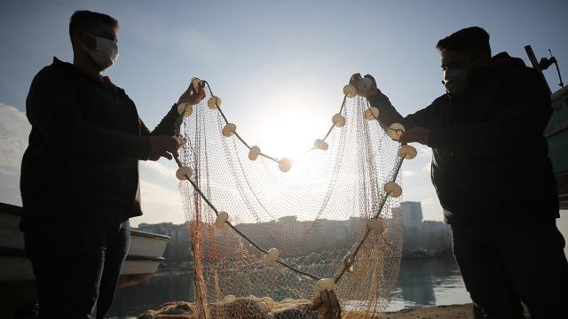 Balık avında izinsiz ağ kullanan 3 kişiye 6 bin 435 lira ceza