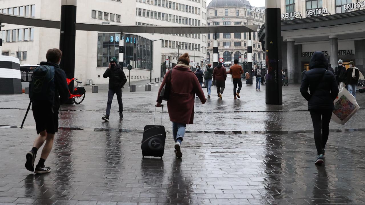 Belçika'da tedbirler aşamalı gevşetiliyor - Son Dakika Haberleri
