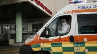İtalyan mafyasının başı ambulanslarla dertte: Polis zannedip kaçıyorlar