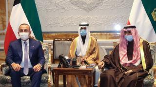 Bakan Çavuşoğlu, Kuveyt Emiri Şeyh Nevvaf ile görüştü