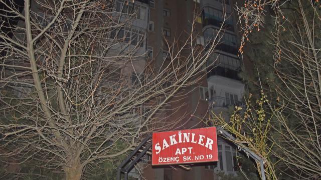 14 kişiye virüs bulaştı, 40 haneli apartman karantinaya alındı
