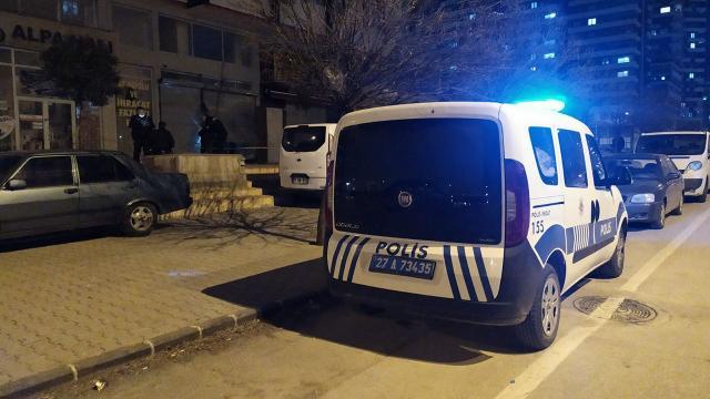 Asma kattan düşen bina görevlisi hayatını kaybetti
