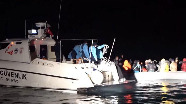 Çanakkalede 13 sığınmacı kurtarıldı
