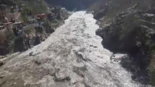 Pakistan'da şiddetli fırtına: 10 kişi hayatını kaybetti