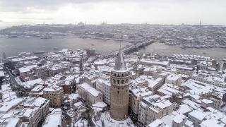 Sıcaklık düşüyor, İstanbul'a kar geliyor