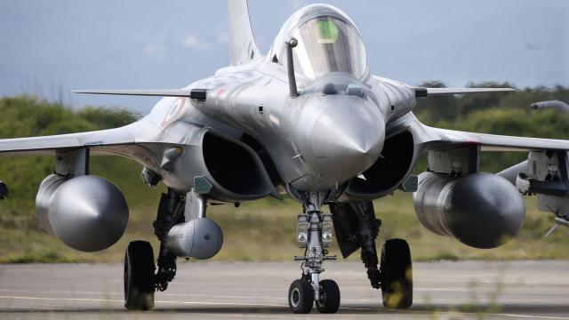 Mısır, Fransadan 30 Rafale savaş uçağı satın alacak