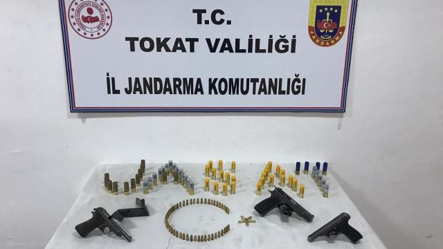 Tokatta silah kaçakçılığı operasyonlarında 5 kişi yakalandı