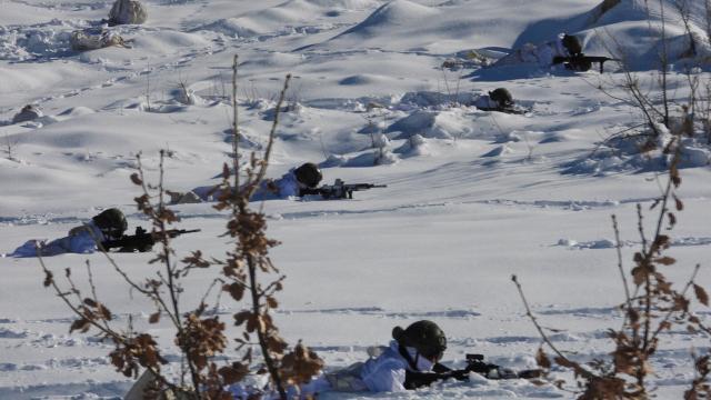 Mehmetçik, zorlu kış şartlarında da daima göreve hazır
