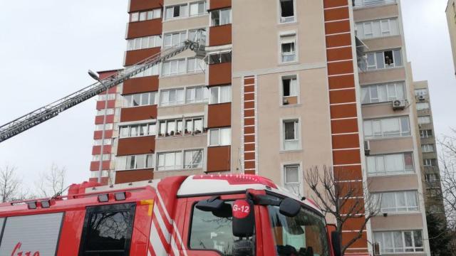 İstanbulda 14 katlı binada patlama