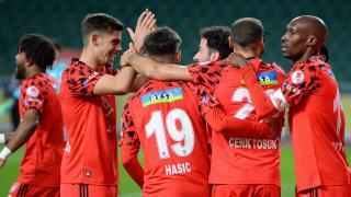Beşiktaş penaltılarla yarı finalde