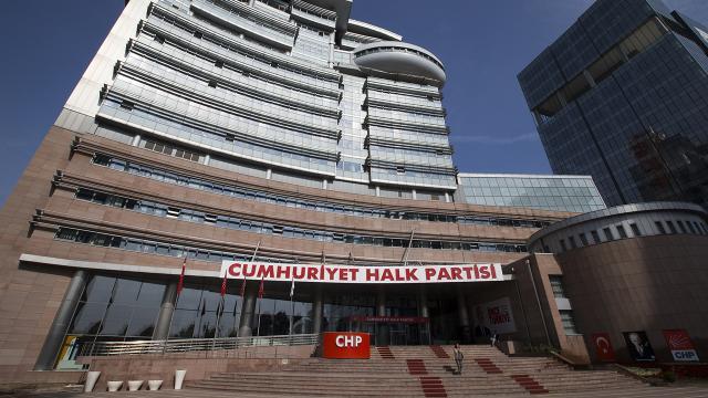 CHPde gündem istifalar