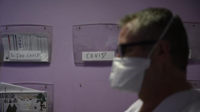 Fransada 21 bin 712 kişide daha COVID-19 tespit edildi