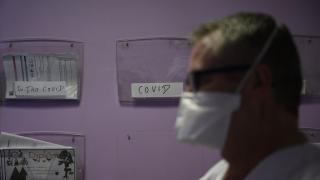 Fransa'da 21 bin 712 kişide daha COVID-19 tespit edildi