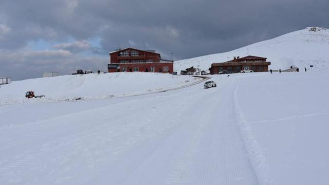 Kayak merkezlerinde kar kalınlığı en fazla Hakkaride ölçüldü