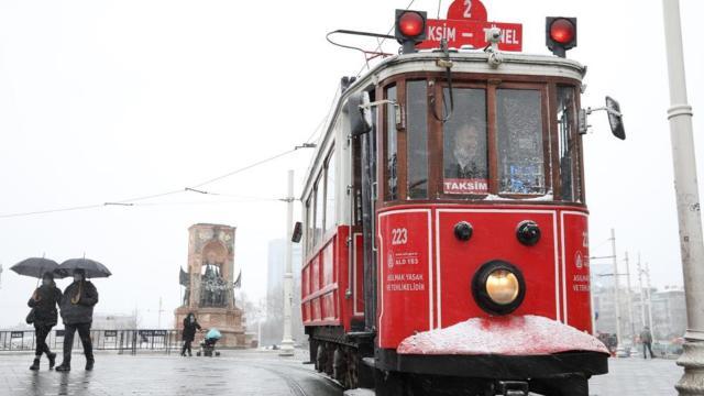 İstanbul Valiliği uyardı: Soğuk ve kar yağışına dikkat