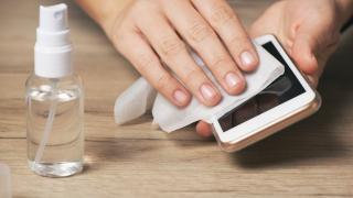 Dezenfektanlar akıllı telefonlara zarar verdi