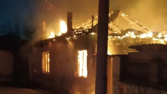 Manisada cami lojmanında yangın: 1 ölü