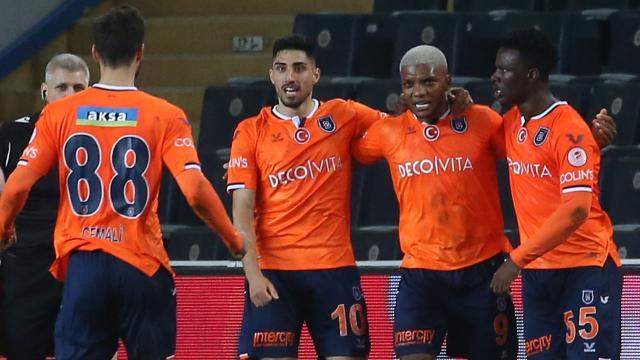 Başakşehir kupada Fenerbahçeyi eledi