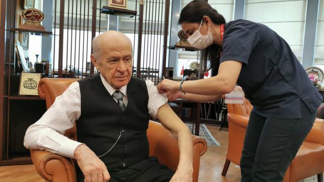 MHP lideri Bahçeli, COVID-19 aşısının ikinci dozunu yaptırdı