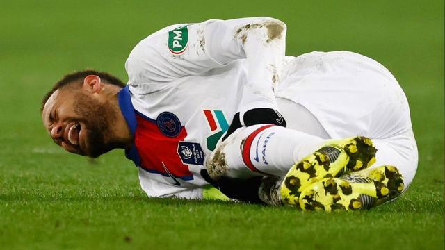 Neymar sahalardan 4 hafta uzak kalacak