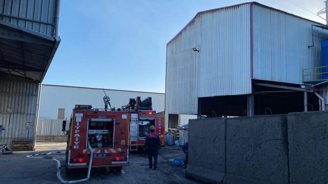 Balıkesirde bir fabrikada kazanın patlaması sonucu 6 işçi yaralandı