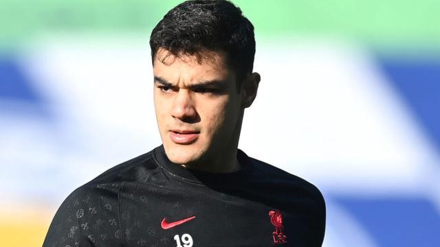 Ozan Kabak Liverpoolda ilk kez 11de