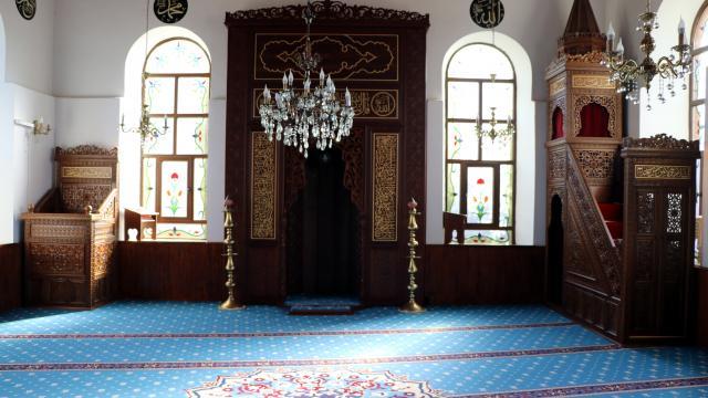 Sultan 2. Abdülhamid Hanın yaptırdığı Kocaelideki Hikmetiye Camii yıllara meydan okuyor