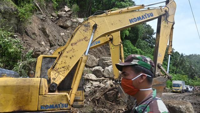 Endonezyada heyelan: 20 kayıp, 14 yaralı