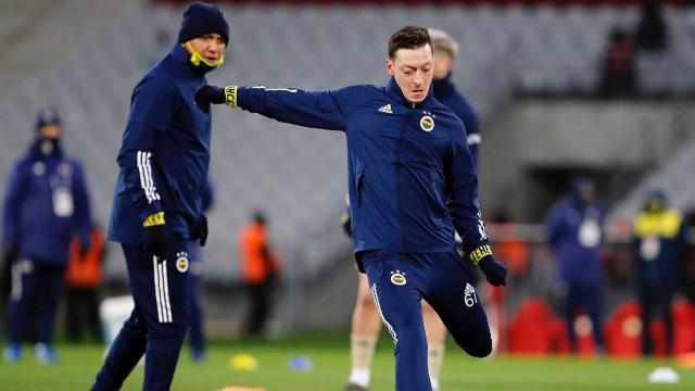 Mesut Özil ilk kez ilk 11de